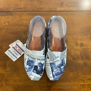 New Bob's for Skechers Cat News Slip On Shoe Sz 6